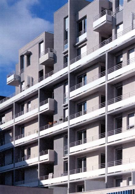 LOEIZ CARADEC ET FRANCOISE RISTERUCCI ARCHITECTES. SARL ARCHITECTURE ET URBANISME. 6 IMPASSE DE MONT-LOUIS. 75011 PARIS. HABITAT. 35 LOGEMENTS ET ATELIERS ZAC CHATEAU DES RENTIERS. 75013 PARIS