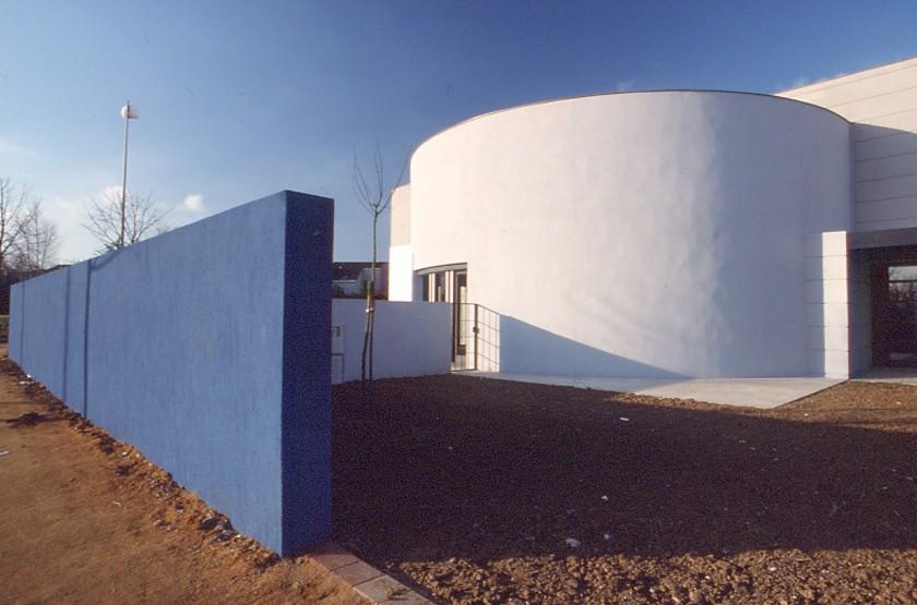 LOEIZ CARADEC ET FRANCOISE RISTERUCCI ARCHITECTES. SARL ARCHITECTURE ET URBANISME. 6 IMPASSE DE MONT-LOUIS. 75011 PARIS. CULTUREL. BIBLIOTHEQUE CENTRALE DE PRET DU LOIR ET CHER. ZAC CHAVY. BLOIS
