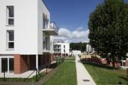 LOEIZ CARADEC ET FRANCOISE RISTERUCCI ARCHITECTES. SARL ARCHITECTURE ET URBANISME. 6 IMPASSE DE MONT-LOUIS. 75011 PARIS. HABITAT. 81 LOGEMENTS COLLECTIFS INTERMEDIAIRES ET INDIVIDUELS. QUARTIER SAINT-MICHEL. EVREUX
